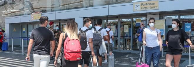 Covid, allarme della Farnesina: «Spostamenti all'estero a rischio contagio». Le regole per entrare e uscire dai paesi delle vacanze