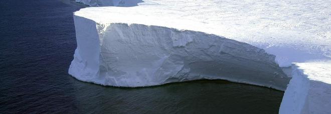 L'iceberg più grande del mondo si staccato dall'Antartide. Ha le dimensioni del Molise