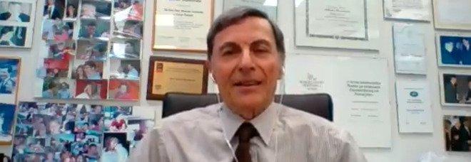 Mantovani (Humanitas): «Il virus è un killer che uccide. Vaccino? Chi ha già avuto il Covid lasci spazio ad altri»