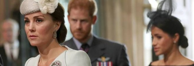 Meghan Markle, Kate Middleton e William pronti ad andare ad Hollywood per far tacere Harry: «Temono rivelazioni compromettenti»