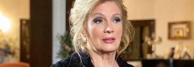 Iva Zanicchi, il dramma del Covid a Domenica Live: «Ho perso mio fratello, ci ho parlato al telefono e non l'ho più visto». Commossa Barbara D'Urso