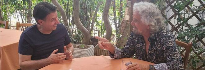 M5s, Conte e Grillo si incontrano a Marina di Bibbona: «E ora pensiamo al 2050!»