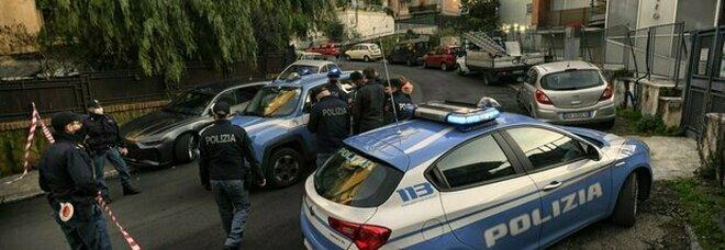 Roma, inseguimento con sparatoria e speronamento: feriti un agente e un malvivente. Paura in strada