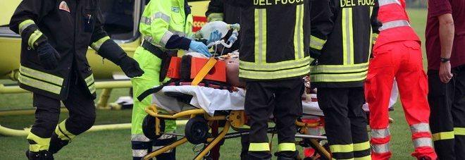 Portiere di 15 anni riceve un colpo alla testa e sviene durante la partita: è grave