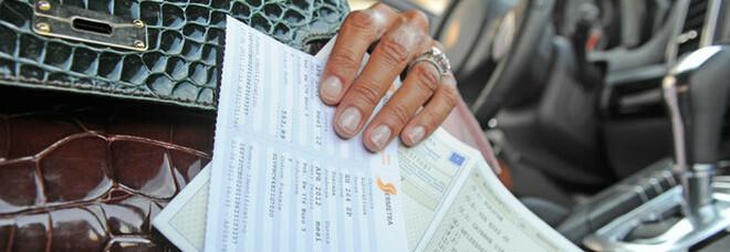 Nuovo decreto sostegno, bollo auto e multe non pagate possono essere cancellate