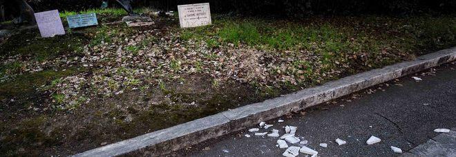 Roma, distrutte le targhe per Matteotti. A Salerno stessa sorte per Falcone e Borsellino