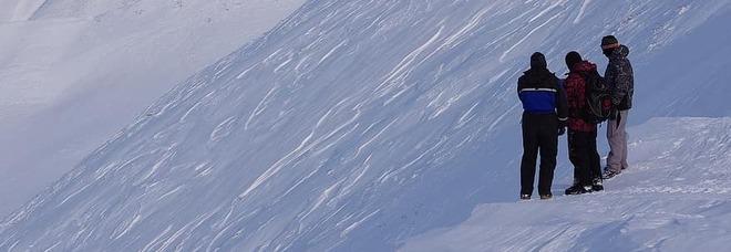 Sorpresi a sciare dopo aver violato il Dpcm, dieci giovani multati per 400 euro