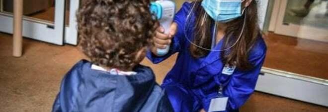«Il covid non esiste. Vengo in studio e la ammazzo»: pediatra ordina il tampone a bimba di 4 anni, padre perde la testa