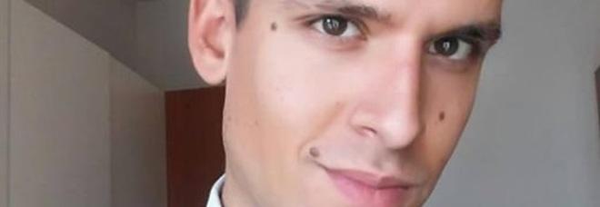 Simone, allievo finanziere, muore in caserma davanti ai compagni: aveva 26 anni