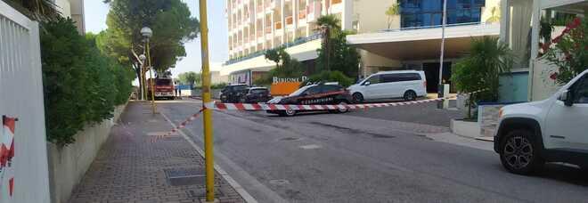 Turista precipita dal quinto piano dell'hotel: scappava da un controllo dei carabinieri