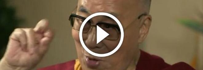 Il Dalai Lama Alla Tv Inglese Imita Trump E Parla Di Pitt Jolie E Kim Kardashian Video
