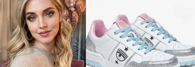 Chiara Ferragni lancia le sneakers, ma sono già sold out. Ecco il prezzo. Fan furiosi: «Non è possibile...»