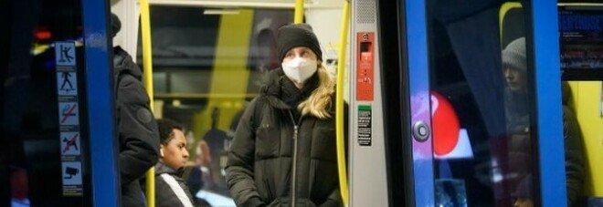Svezia, mascherine al bando in alcune città: «Nessuna prova scientifica che siano sicure»