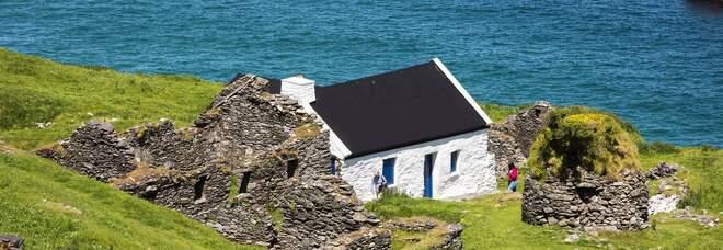Irlanda, «Cercasi custodi per un'isola remota»:per l'annuncio di lavoro è boom di candidature, cosa è richiesto