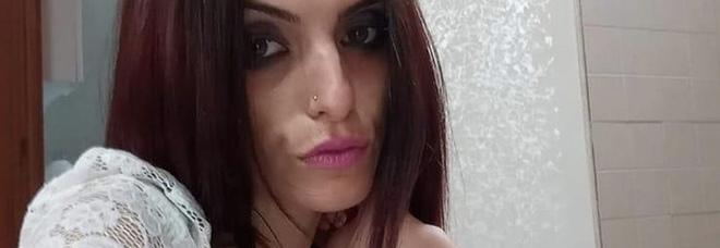Accoltellata e bruciata in casa: Ylenia ennesima vittima di femminicidio. Fermato un 36enne