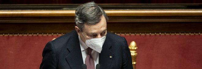 Draghi in Senato incassa la fiducia con 262 sì e 40 no: «Grazie per la stima, ma dovrà essere giustificata dai fatti». Nei 5Stelle 15 votano contro
