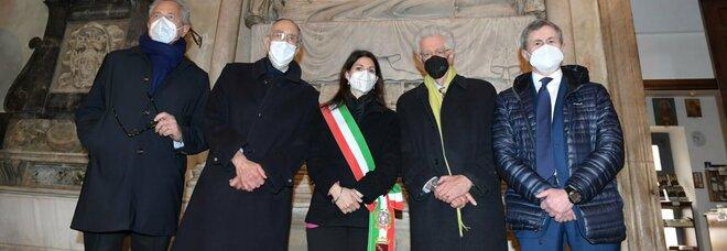 Natale di Roma, gli ex Sindaci a messa insieme in Campidoglio. Gianni Alemanno: «Un grande onore, oltre ogni polemica»