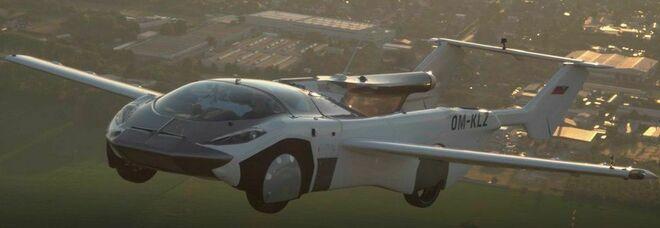 AirCar, pronta l'auto del futuro: in 2 minuti e 15 secondi diventa un aereo