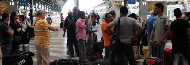 Guasto elettrico, per un'ora bloccati tutti i treni alla Stazione Centrale di Milano