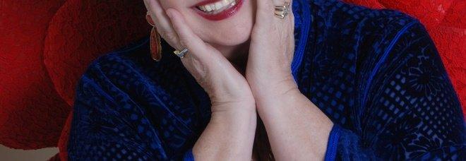 Marisa Laurito si racconta in teatro: «Da Eduardo alla tv, incontravo le grandi star e facevo solo gaffe»