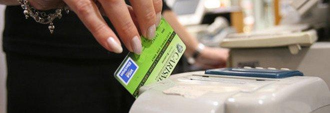 Cashback, a dicembre via al rimborso degli acquisti fatti con bancomat, app o carte. La spesa vale solo nei negozi (no on line)