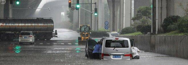 Cina, devastanti inondazioni: 12 morti nella metropolitana di Zhengzhou