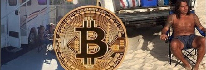 """Bitcoin, padre vende casa per comprarli: """"Dal 2020 sarò ricco..."""", ma nel frattempo vive così"""