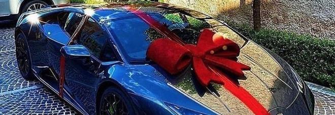 Insigne, super regalo della moglie per il compleanno: una Lamborghini da 200 mila euro