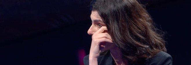 Canzone Segreta, Anna Valle guarda un video e scoppia in lacrime. Poi accade l'inaspettato