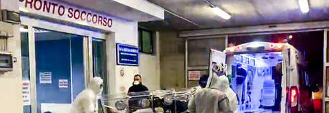 Assalto ai pronto soccorso, i medici d'urgenza: «Non reggiamo più». In Toscana vietate visite a malati in ospedale