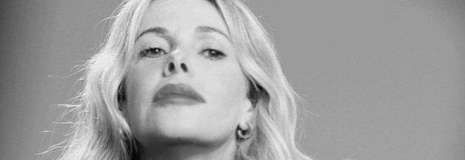 Alessia Marcuzzi negativa al Covid, il post su Instagram: «Scusatemi se sono costretta a scrivervi tutto»