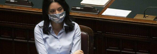 Altolà di Azzolina a Emiliano: «Riapra subito le scuole in Puglia»