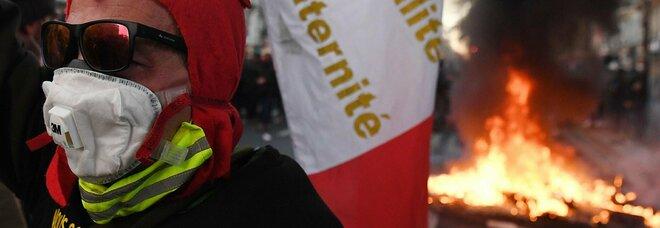 Francia, proteste per legge sicurezza Gli organizzatori: 500mila in piazza