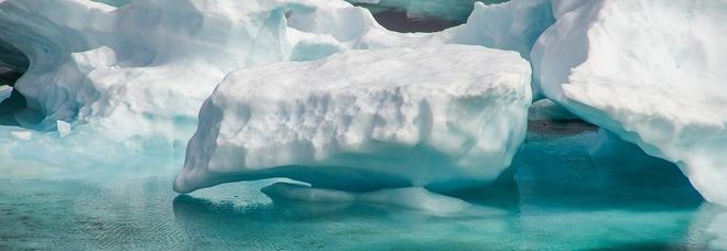 Groenlandia, scoperto un fiume lungo oltre mille metri sotto i ghiacchi che si stanno sciogliendo