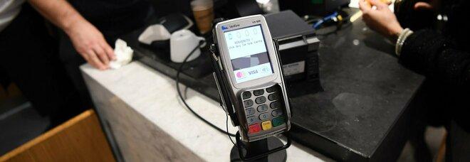 Cashback, il via a dicembre: rimborso del 10% delle spese con bancomat, carte e app. Tutto quello che dovete sapere