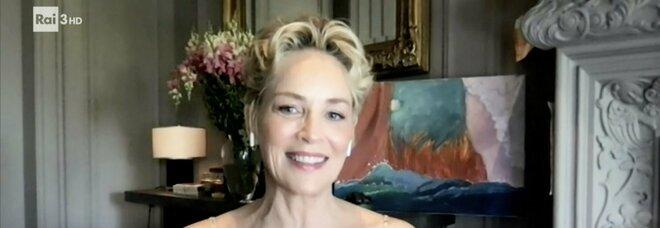 Sharon Stone da Fabio Fazio: «Sono stata fortunata a rimanere in vita. Mia madre? Le feci fumare erba»