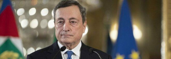 Draghi parte dalla scuola: «Modificare il calendario per recuperare il tempo perduto». In classe fino al 30 giugno?