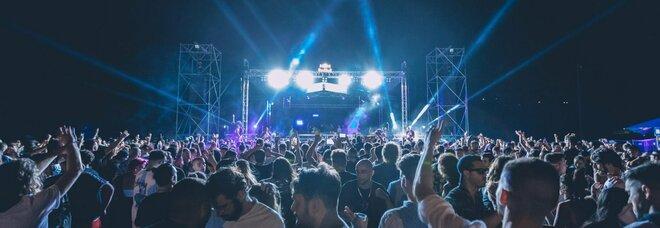 Discoteche, primo evento con il modello green pass a San Marino: «Hanno partecipato 2.700 persone»