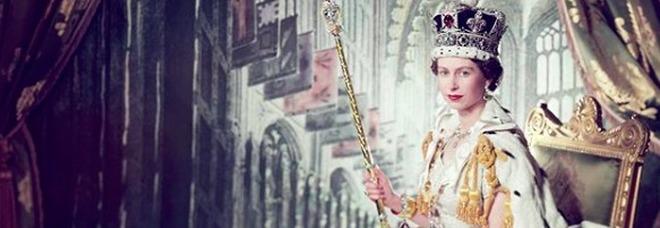 Regina Elisabetta, 67 anni fa l'incoronazione: l'omaggio sui social e quel retroscena da incubo