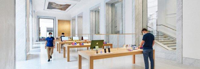 Apple apre nel cuore di Roma. Lo Store in Via del Corso, luogo d'incontro per giovani creativi