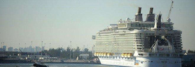 Crociera da incubo: 277 passeggeri con malattia intestinale. La nave rientra, tutti rimborsati