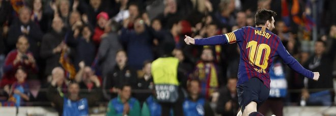 Champions, Messi trascina il Barcellona, lo United eliminato
