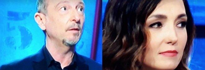 I Soliti Ignoti, Caterina Balivo protesta in diretta: «No, questo no Amadeus». Il conduttore reagisce così