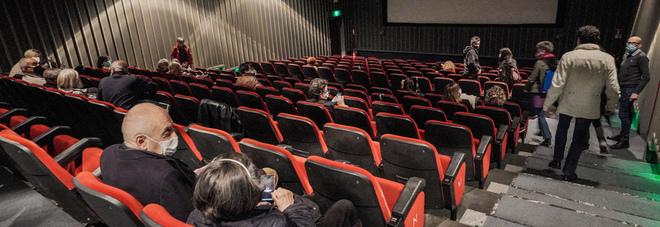 Cinema, torna l'obbligo in sala prima dello streaming