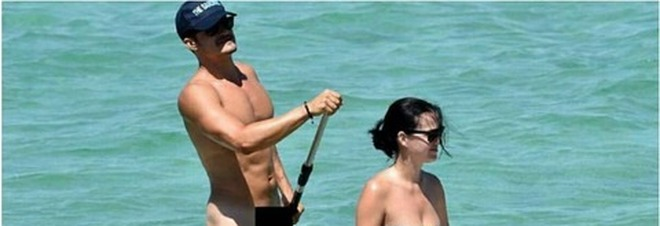 Orlando Bloom nudista in Sardegna: foto boom sul web