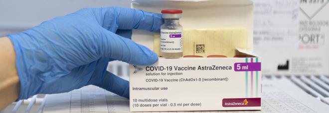 AstraZeneca dovrebbe restare raccomandato agli over 60. Ipotesi richiamo con altro vaccino