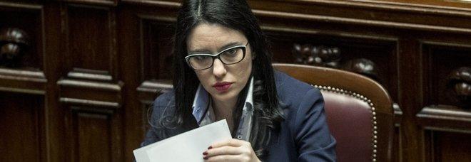 Scuole chiuse, Azzolina: «Riapriranno se e quando ci saranno le condizioni». Maturità, si va verso una commissione interna