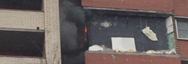 San pietroburgo due violente esplosioni in un palazzo di for Palazzo a due piani