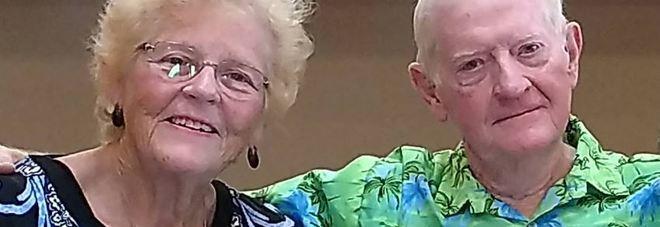 Adottata appena nata, 70 anni dopo si ritrova per caso a vivere accanto al fratello