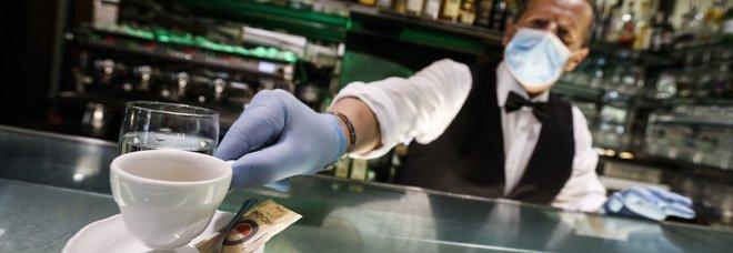 Marsala, cliente paga caffè al bar 50 euro: «È il minimo, sono dipendente pubblico e al mio stipendio contribuisci anche tu»